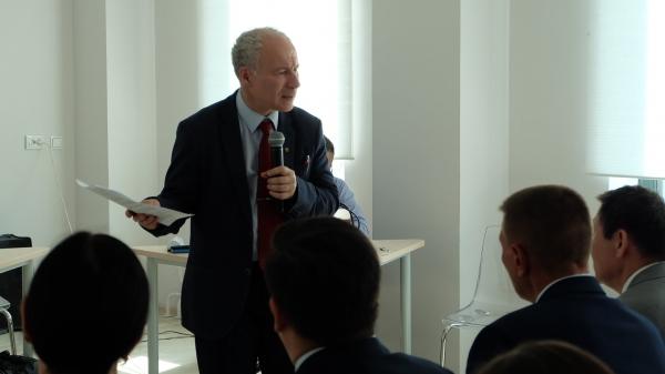 ЦС КМНС – Дискуссия с экспертом: стратегия Арктического региона